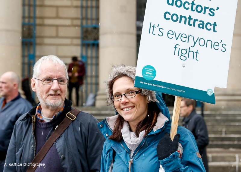 Junior Doctors' Strike_6_160427-2